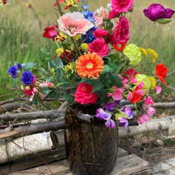 fel gekleurd zijden bloemen boeket